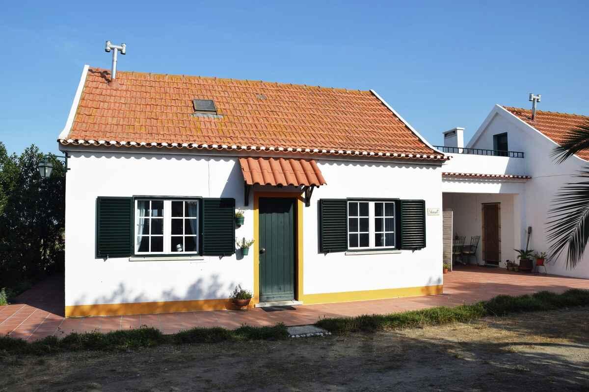 ferienhaus in castelo portugal. Black Bedroom Furniture Sets. Home Design Ideas