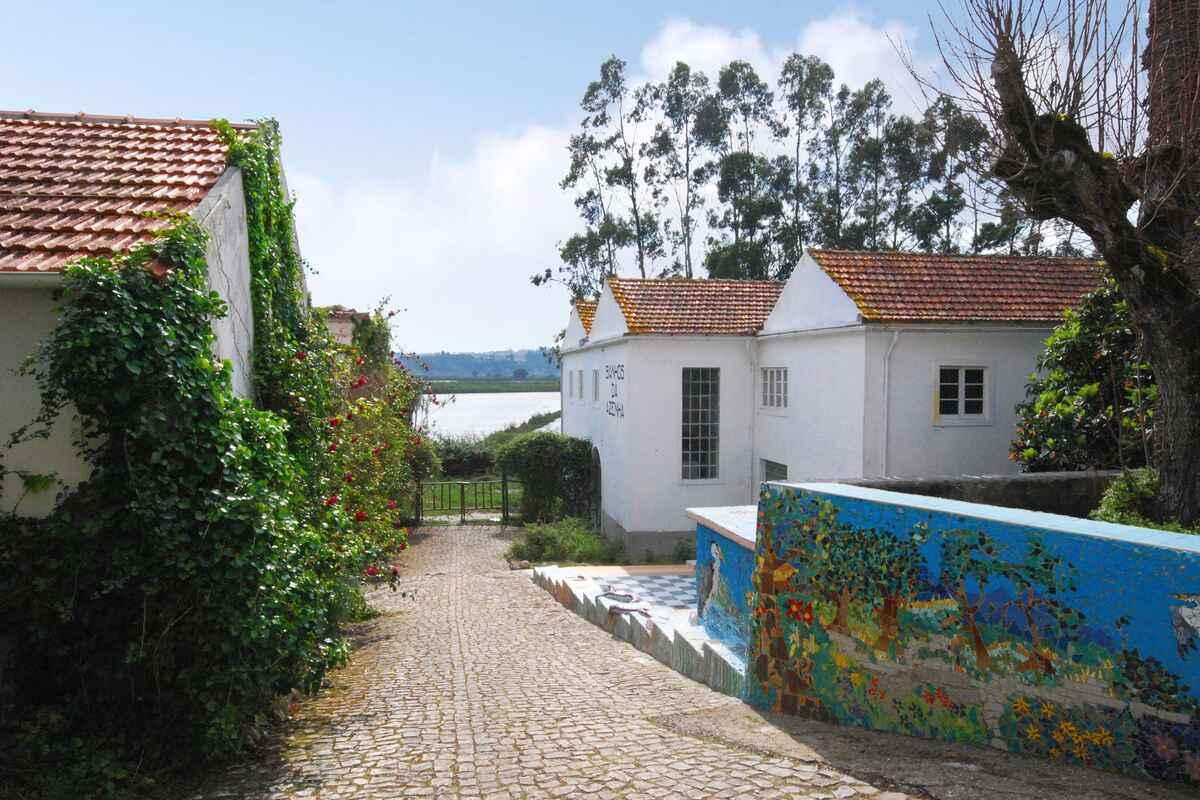 ferienwohnung in pedrog o portugal. Black Bedroom Furniture Sets. Home Design Ideas