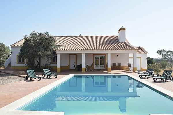 Villa in Vimieiro