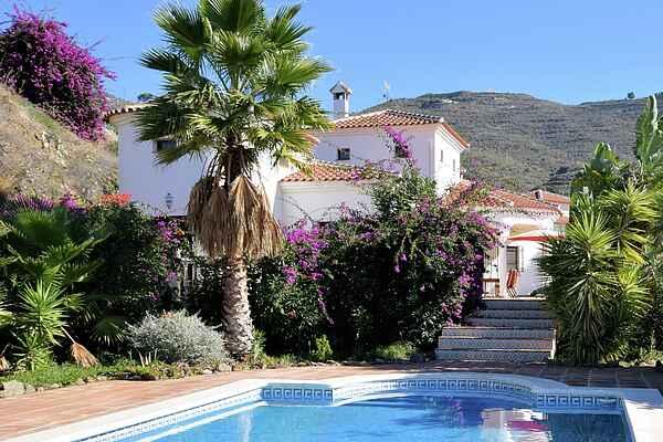 Villa i Algarrobo