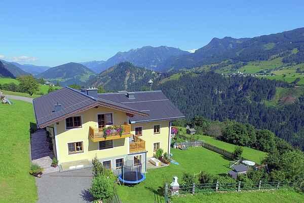 Gårdhus i Taxenbach