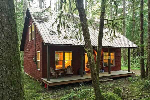 Mt. Baker Lodging Cabin #12 - Sleeps 4!