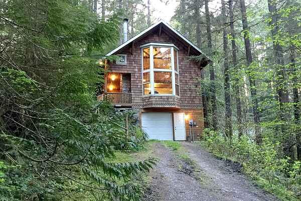 Mt. Baker Lodging Cabin #25 - Sleeps 6!
