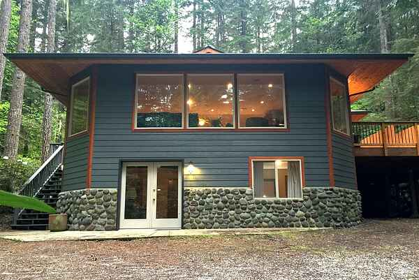 Mt. Baker Lodging Cabin #29 - Sleeps 11!