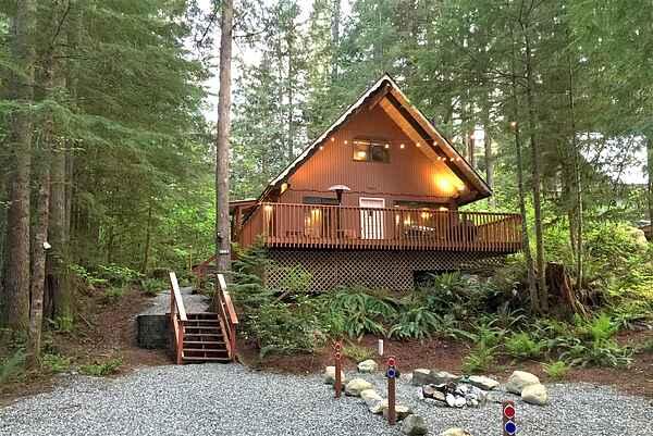 Mt. Baker Lodging Cabin #98 - Sleeps 6!