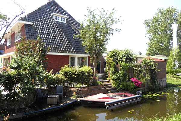 Holiday home in Reeuwijk