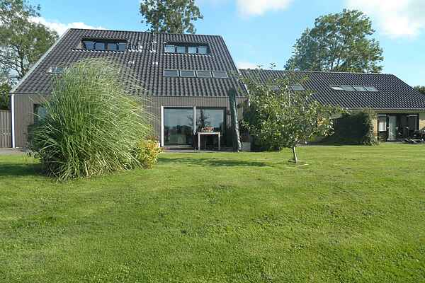 Holiday home in Langweer