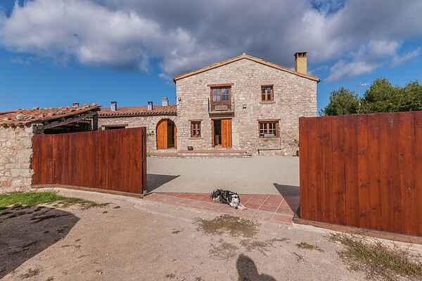 Farm house in El Bruc