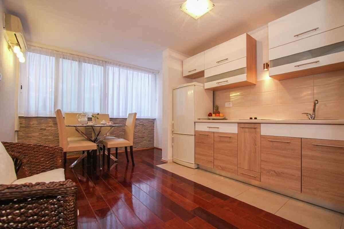 ferienwohnung in split kroatien. Black Bedroom Furniture Sets. Home Design Ideas