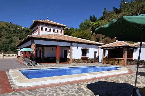 Villa i Sayalonga