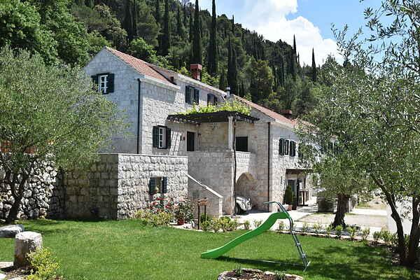 Villa i Gruda