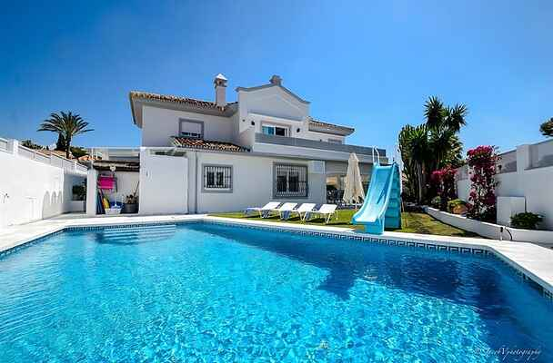 FABULOUS VILLA 200 M FROM BEACH