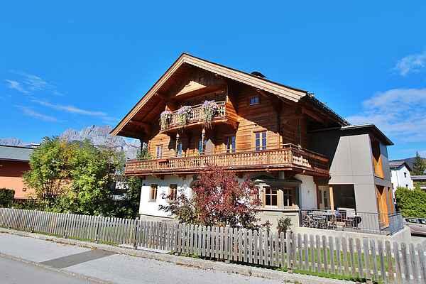 Villa in St. Johann in Tirol