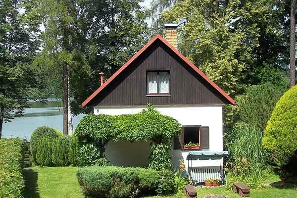 Cottage in Popelištná