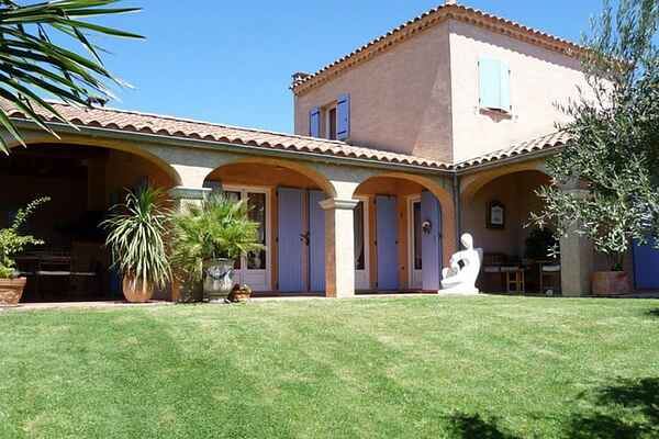 Villa i Gard