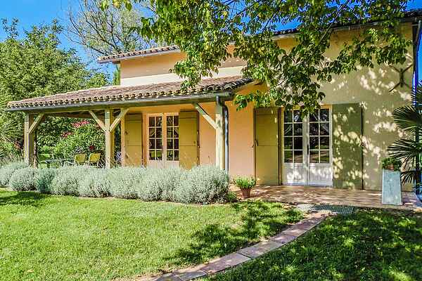 Holiday home in Duras