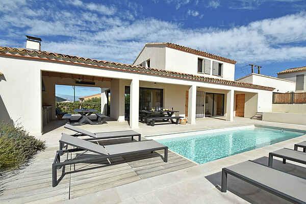 Villa in Entrechaux
