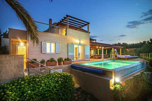 Villa in Supetar