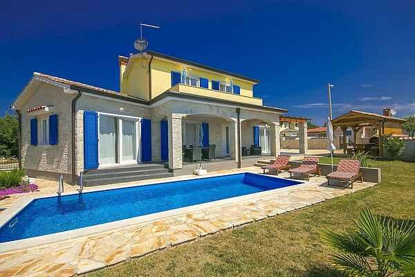Villa in Nova Vas