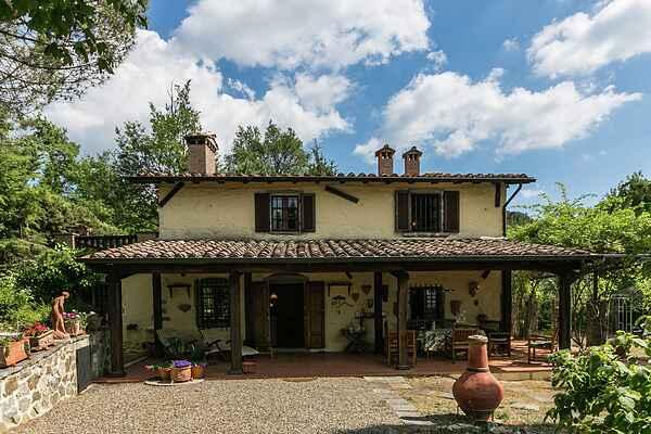 Villa in Santa Fiora