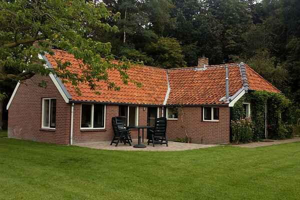 Holiday home in Donkerbroek