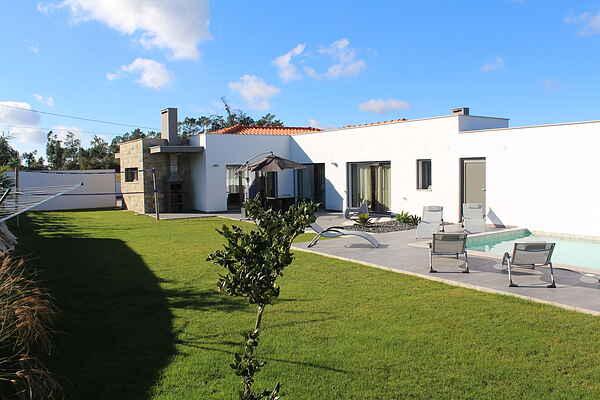 Villa i Salir de Matos