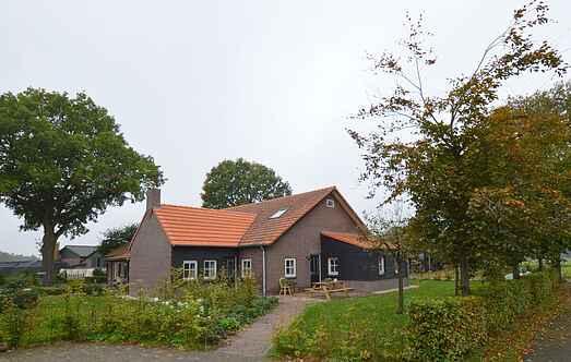 Gårdhus mh61126