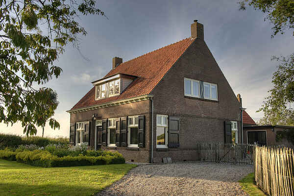Farm house in IJzendijke