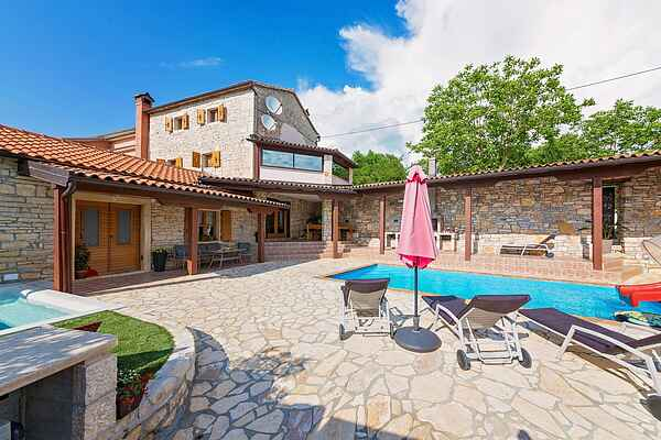Holiday home in Tinjan