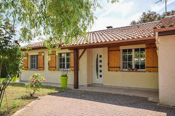 Villa i Montayral