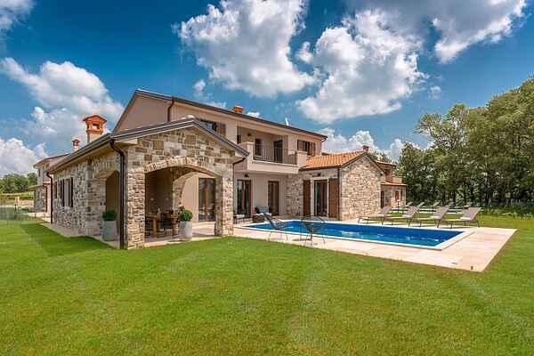 Villa i Karojba