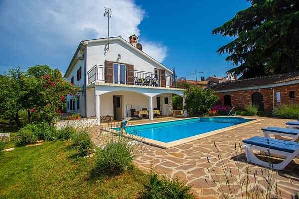 Villa i Červar Porat