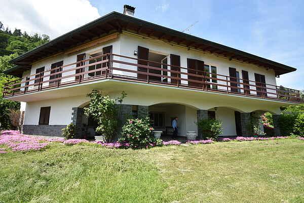 Villa i Meina