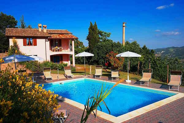 Villa i Acqualagna
