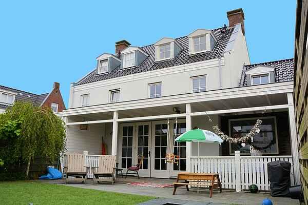Villa in South Holland