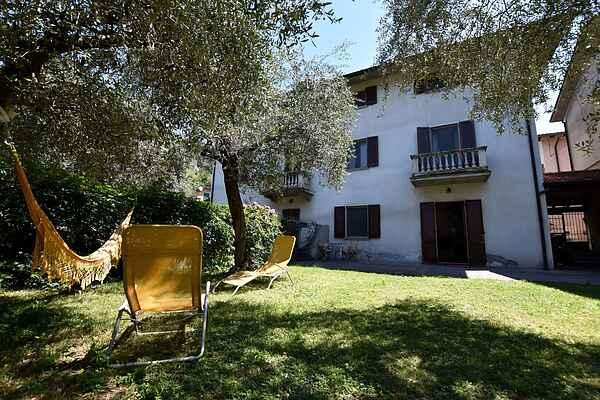 Villa in Marone