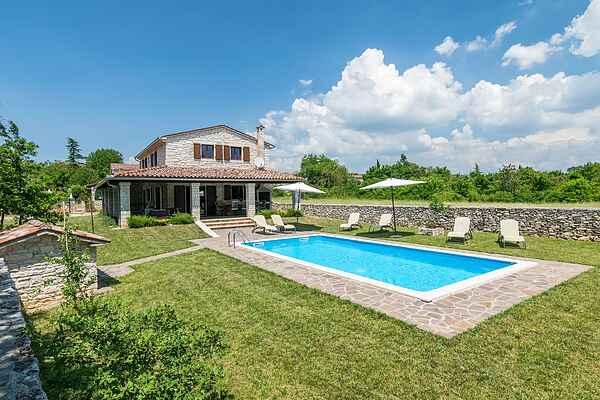 Villa in Kringa
