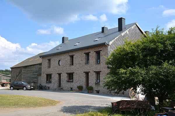 Gårdhus i Gedinne