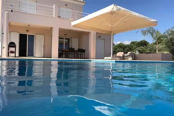 Villa i Kamaria