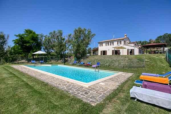 Villa in Fratte Rosa