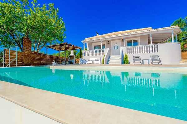 Villa i Tragaki
