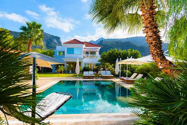 Villa Aphrodite with heated pool and exotic garden