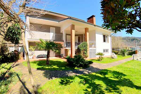 Villa i Monsagrati