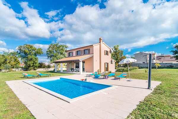 Villa in Baderna