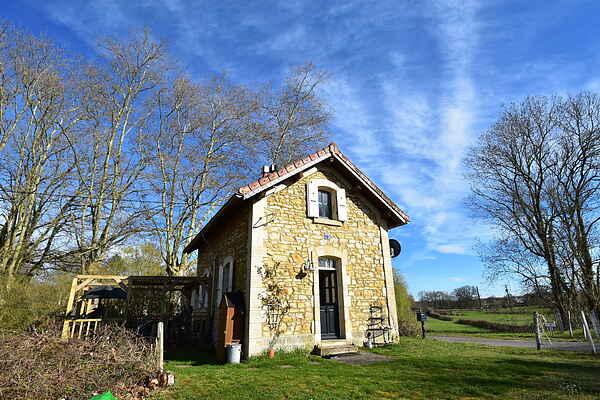 Sommerhus i La Nocle-Maulaix