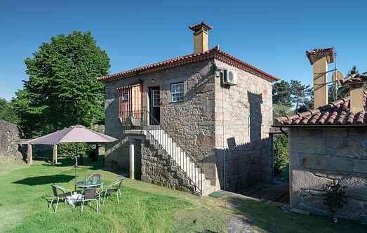 Cottage mh32722