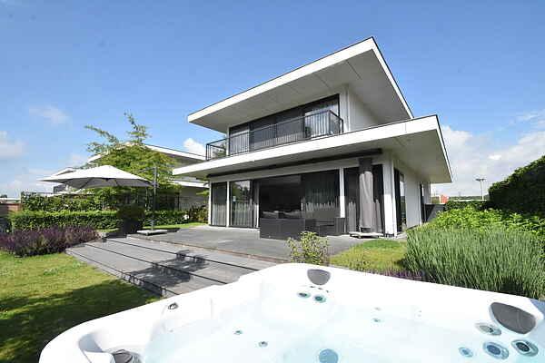 Villa in Zeewolde