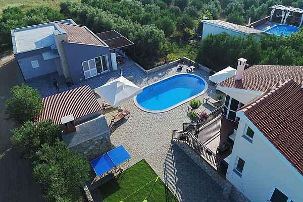Villa i Polača