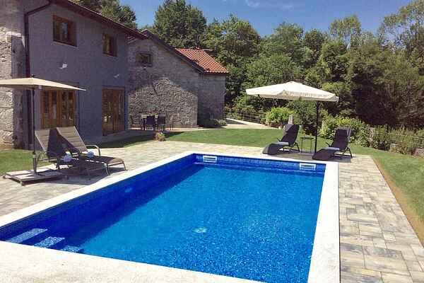 Sommerhus i Hrušica