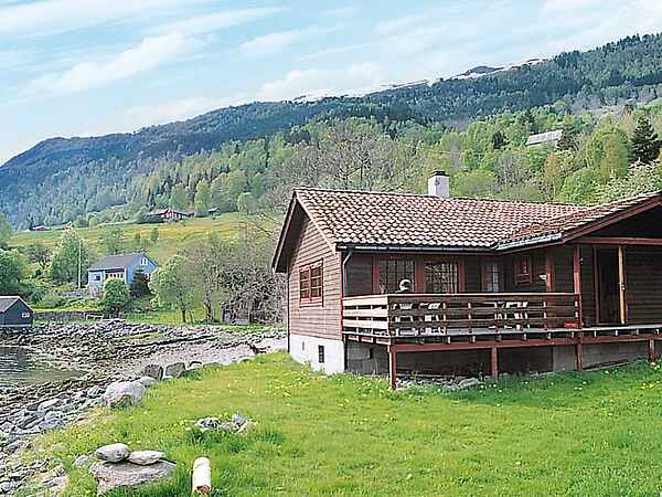 Holiday home in Hennebygda